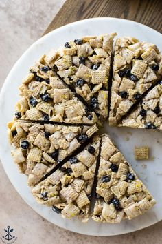 These Blueberry Chex Krispie Treats are ooey-gooey marshmallowy and packed with blueberry and lemon flavor! Easy No Bake Desserts, Delicious Desserts, Dessert Recipes, Yummy Food, Fudge Recipes, Candy Recipes, Rice Recipes, Healthy Recipes, Have A Snickers