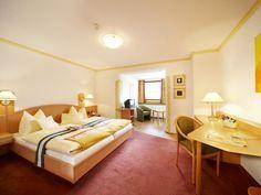 Komfortable Zimmer im Wanderhotel Kirchner in Bramberg Bed, Room, Furniture, Home Decor, Single Bedroom, Summer Vacations, Bedroom, Decoration Home, Stream Bed