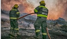 Veld Fires in Cape Town: Safety Tips, Donations & Emergency Contacts Guide Cape Town South Africa, Table Mountain, Sweet Pic, Pictures Of The Week, Beach Tops, Trip Advisor, Westerns, African, City