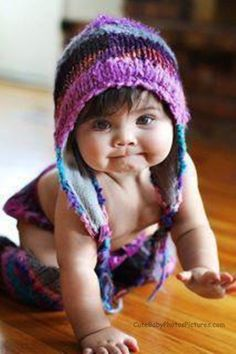 Love the hat! The baby is adorable! Cute Little Baby, Baby Kind, Little Babies, Baby Love, Little Girls, Baby Baby, Precious Children, Beautiful Children, Beautiful Babies