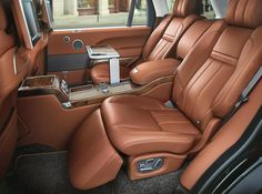 Jaguar Land Rover's Special Vehicle Operations division has teamed up with British gun-maker Holland & Holland to create a very special variant of the Range Rover Autobiography Black. Range Rovers, Interior Range Rover, Jaguar, Holland, Car Interior Design, Hummer Interior, Bentley Interior, Truck Interior, Interior Ideas