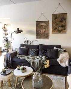 In Diesem Wohnzimmer Herrschen Natural Vibes, Wobei Ein Kuscheligen Fell  Auf Keinen Fall Fehlen Darf. Einfach Perfekt!