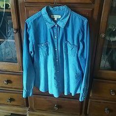 Blue denim button down shirt Light blue ombre pearlescent buttons Tops Button Down Shirts