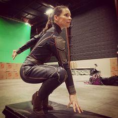 Evangeline Lilly training her Wasp pose Marvel Women, Marvel Actors, Marvel Characters, Marvel Movies, Marvel Avengers, Female Avengers, Fictional Characters, Evangeline Lilly Wasp, Divas