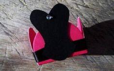 Forminhas para doces personalizadas. Podem ser feitos em várias cores e são perfeitos para decorar e valorizar a mesa do Chá de Lingerie.Disponíveis para encomendas em http://www.elo7.com.br/amornopapel/cha-de-lingerie/al/47B93 Vou adorar fazer seus mimos. Bjks, Sônia