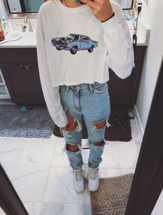 teenager outfits for school ; teenager outfits for school cute Teenage Outfits, Teen Fashion Outfits, Mode Outfits, Retro Outfits, Look Fashion, Trendy Outfits, Grunge Outfits, Teen Party Outfits, Fall Fashion