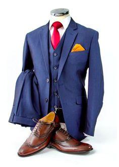 Ein #schicker #3teiler für den #modernen #Gentleman. Dieser #Anzug ist die perfekte #Kombination für jeden #Anlass