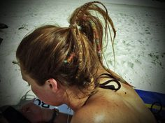 love the half head of dread locks.. Don't think i could do it.. but, it looks cool!