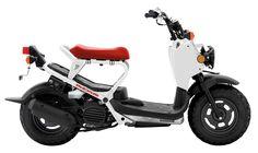 El Honda Ruckus es un pequeño scooter propulsado por un económico y ecológico (hasta donde pueda ser ecológico un motor de combustión inte...