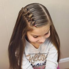 Hair tutorial You are in the right place about cute baby girl hairstyles Here we offer you the most Side Braid Hairstyles, Baby Girl Hairstyles, Braided Hairstyles Tutorials, Princess Hairstyles, School Picture Hairstyles, Hairstyles For School Girls, Updo Hairstyle, Prom Hairstyles, Girl Hair Dos