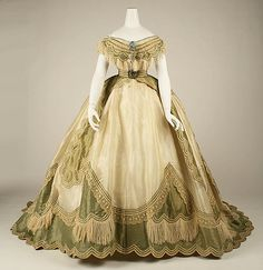 1865 French Silk evening dress at the Metropolitan Museum of Art, New York - If you click the pin, you will see that this is actually an example of a transformation dress. Such a dress was made up of three pieces: a skirt, a day bodice and an evening bodi Civil War Fashion, 1800s Fashion, 19th Century Fashion, Victorian Fashion, Vintage Fashion, Victorian Dresses, Victorian Era, 16th Century, Steampunk Fashion