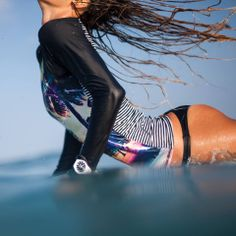 Treat yourself with the complete Roxy Festival Pop Surf and shop online on the official Roxy shop. Roxy Surf, Beach Bum, Summer Beach, Summer Vibes, Female Surfers, Sup Stand Up Paddle, Sup Yoga, Fun Shots, Big Waves