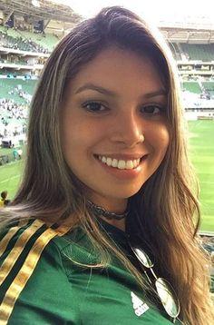 Soccer Fans, Football Fans, Psg, Ronaldo, Names Girl, Brown Pride, Football Girls, Face Treatment, Nfl Cheerleaders