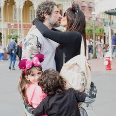 """""""Spread Love ❤️ muito amor reunido em uma foto só ( só faltou meu Romeo que tava comendo batata frita c a vovó  ) #familyfirst #familygroundsme…"""""""