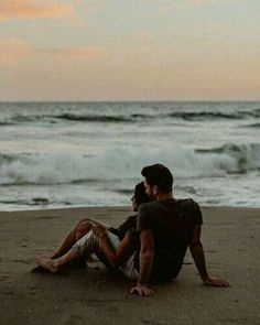 "💌 ""Dear W, i adored every ounce of you, every drop. our chance meeting that summer night felt destined - i truly believed we were meant to… Relationship Goals Pictures, Cute Relationships, Cute Couple Pictures, Summer Pictures, Photo Couple, Couple Shoot, Cute Couples Goals, Couple Goals, Couples Beach Photography"