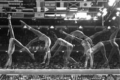 Nadia Comaneci Olimpic Games 1976 Montreal,Gold medal. (AP Photo/Suzanne Vlamis) - The sequence of the exhibition to the beam (AP Photo/Suzanne Vlamis)