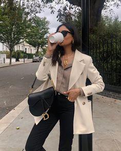 4 Things Successful Women Do To Feel Good Every Day - Fashion Mode, Look Fashion, Winter Fashion, Womens Fashion, Minimal Fashion, Classy Outfits, Chic Outfits, Winter Outfits, Fashion Outfits
