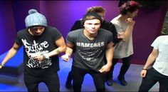 5 Seconds Of Summer Bamboleo! Y'all you have to watch this!