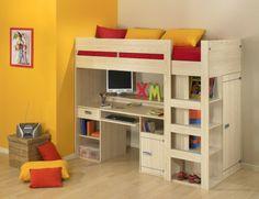 lit mezzanine avec bureau en bois, lettres décoratives, coussins en couleurs vives, mur jaune