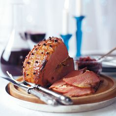 Love cranberry sauce with your Sunday lunch? Try something slightly different with our cranberry chutney recipe! This delicious chutney has a tangy flavour and makes the perfect edible gift for Christmas or other special occasions. Cranberry Chutney Recipe, Apple Chutney, Cranberry Recipes, Chutney Recipes, Gammon Recipes, Roast Turkey Recipes, Ham Recipes, Dinner Recipes, Best Christmas Recipes