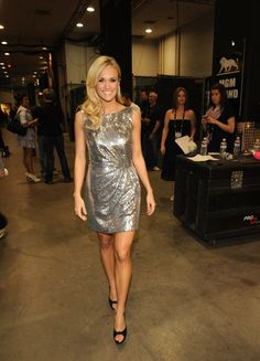 Carrie Underwood Legs | Image: carrie-underwood-hot-figure-body-photos-pictures-legs-silver ...