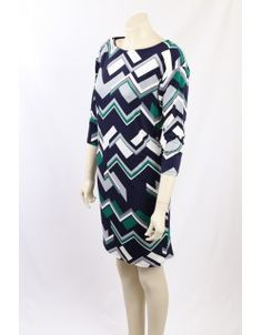 Ralph Lauren Graphic design wear-to-work dress. The dress is fully lined, in a stretch jersey and is in Green, White and Navy. Premium Brands, Work Wear, Size 14, Ralph Lauren, Dresses For Work, Graphic Design, Navy, Green, How To Wear