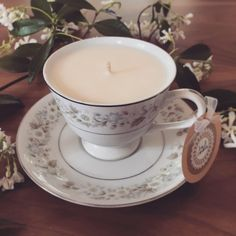 So pretty, with subtle flowers all around. The Flora scented soy candle teacup is part of our recycled and unique Vintage Collection.  Volume: Approx 175 ml  Diameter: Cup 9 cm, Plate 15 cm  Height: 8 cm