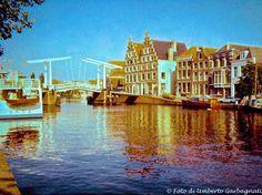 ... ponte levatoio a contrappeso (chiuso) a Haarlem (NL) - 27 giu 1979 -  © Umberto Garbagnati -