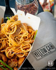 Yellow Cab's Charlie Chan Chicken Pasta to tickle your palette. Yellow Cab is located at the floor of SM City Manila Chicken Alfredo, Chicken Pasta, Charlie Chan Pasta Recipe, Pasta Recipes, Cooking Recipes, Pizza Company, Pizza Joint, Good Pizza, Food Styling