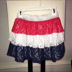Girls skirt Like New!!! If you have any q's plz feel free Skirts Circle & Skater