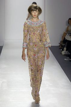 Naeem Khan Spring 2008 Ready-to-Wear Fashion Show - Andreea Stancu