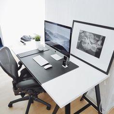 By @ultralinx My Workspace, Desk Space, Office Setup, Office Decor, Pc Setup, Computer Desk Setup, Gaming Setup, Work Desk, Drafting Desk