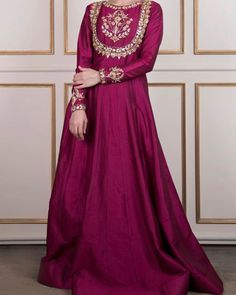 Gorgeous formal by . Shadi Dresses, Pakistani Formal Dresses, Pakistani Fashion Party Wear, Pakistani Wedding Outfits, Indian Fashion Dresses, Pakistani Dress Design, Pakistani Clothing, Wedding Hijab, Fashion Outfits