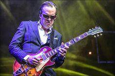 Mr. Joe Bonamassa live @ Royal Albert Hall. Awesome guitars and gangster suits!
