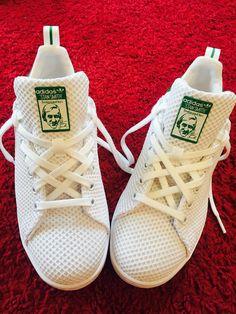 Comment lacer ses Stan Smith ? Comment porter des stan smith blanches ? Idée sympa pour avoir des lacets originaux ! #stansmith #adidas #stylestansmith #stansmithadidas #stansmithwhite #mystansmith #designstansmith
