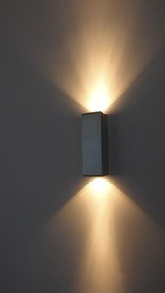 Grey wall lamp | Applique murale grise Plus