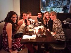Lea, Becca, Chord, Darren, Heather and Laura Dreyfuss celebrating Glee's 700th performance
