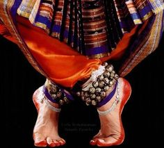 Indian Dance forms……..BEAUTY FROM THE TIP OF THE FINGERS TO THE BOTTOM OF THE FEET………….ccp
