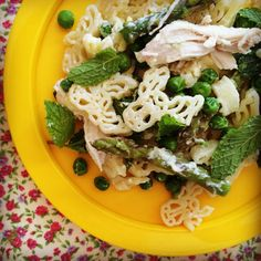 pea, asparagus & chicken pasta w' lemony ricotta sauce - my lovely little lunch box