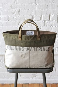 WWII era Canvas and Work Apron Tote Bag -courtesy FORESTBOUND....PLEASE MAKE THESES AGAIN.  This bag would be perfect for carrying my art supplies to and from school!