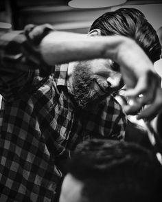#barbershop #coiffeur #lesgentlemans #barber #beard #bearded #razor #paris #leraincy #barbier #moustache #grown #instabeard #americancrew #obarbershop #haircut #hairstyle #instahair #hair #sharpfade #wahl @sharpfade #barbershopconnect #beardlife #beardgang #brush #skull #cream #men #man #gravebeforeshave by les_gentlemans