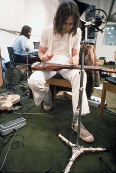 Enlace permanente de imagen incrustada Paul McCartney y John Lennon en la grabación For You Blue, enero 1969