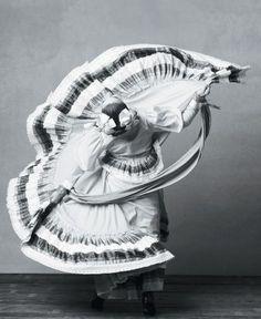 Venez Découvrir les danses traditionelles du Mexique avec Mexique Découverte #agencedevoyage #agencelocale #voyage #mexique #agencefrancophonemexique #danse #folklore
