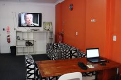 Sydney Backpackers Lounge 3