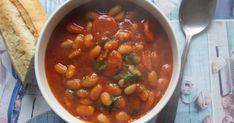 fasolada, klasyczna zupa fasolowa, grecka zupa z fasoli, przepisy greckie, greckie smaki, grecka kuchnia, fasola,