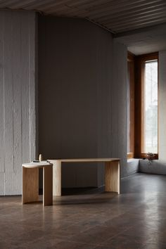 Made by Choice | Airisto side table, bench New Furniture, Furniture Making, Furniture Design, Wooden Furniture, Scandinavian Cabin, Scandinavian Design, Multifunctional Furniture, Big Design, Furniture Collection