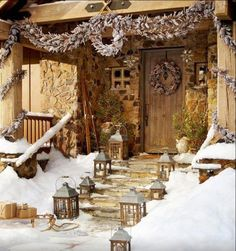 Contemporary & Rustic Winter Lodge via 50 Fabulous outdoor Christmas decorations for a winter wonderland