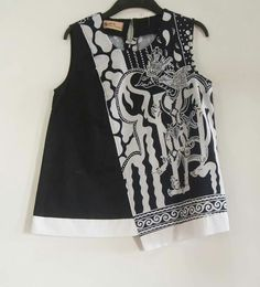 Batik kultur dea Blouse Batik, Batik Dress, Kurti Styles, Blouse Styles, Girls Fashion Clothes, Fashion Dresses, Clothes For Women, Model Kebaya, Batik Fashion