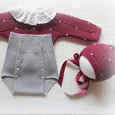 #babyclothing #babyclothes #babysweater sweater #babybottoms #bottoms #bordeaux #bloomers#babybloomers #babyknitwear #babybooties #babyboy #babygirl #yarn #instaknit #bebé #roupadebebé #babyspam #babyboutique #baby #babyfashion #bonnet #handmade #babybonnet #mariacarapim