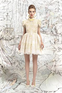 Red Valentino, le lookbook printemps-été 2013 shooté par Tim Walker. | E-TV